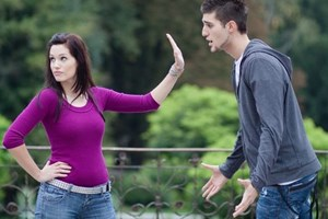 5 greseli pe care nu trebuie sa i le accepti niciodata unui barbat. Afla cand nu e cazul sa-l ierti!