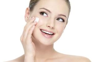 6 ingrediente periculoase din cosmetice. Fereste-te de ele daca tii la sanatatea ta!