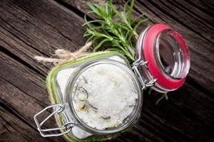 Bicarbonatul de sodiu, secretul care te ajuta sa fii mai frumoasa. 6 utilizari surprinzatoare!