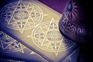 Cartile de tarot ne dezvaluie noi secrete cu privire la previziunile astrale pentru anul 2015. Descopera si tu care este cartea de tarot reprezentativa zodiei tale!  Citeste: http://horoscop.kudika.ro/articole/36661/previziuni-2015-ce-prezic-cartile-de-tarot-pentru-fiecare-zodie.html#ixzz3KRMLrBmu Follow us: @Kudika_ro on Twitter | www.kudika.ro on Facebook